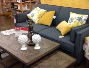 Furniture Store Returns Buyer & Supplier For Wholesale | Bank & Vogue